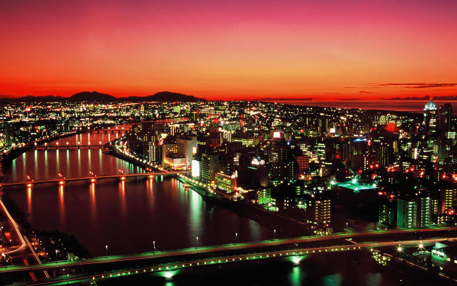 新潟「水の都」、信濃川の夜景