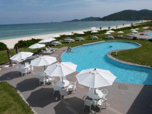 【久米島イーフビーチホテル】プールサイド