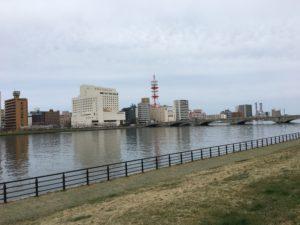 新潟_信濃川やすらぎ堤緑地